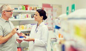 Em que situação um paciente deve tirar dúvidas com um farmacêutico?