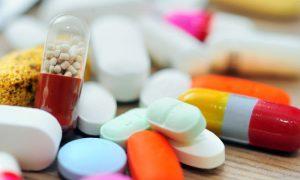 Remédio vencido faz mal? Quais fatores determinam a seriedade dos efeitos colaterais?
