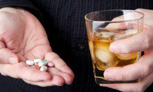 A bebida alcoólica afeta a imunidade e corta o efeito de remédios?