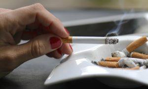 O hábito de fumar pode causar gases? Por quê?