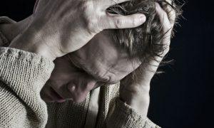 Riscos da esquizofrenia: Interromper o medicamento é perigoso?
