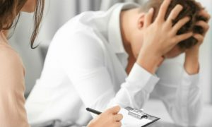 A esquizofrenia fica mais grave com o passar do tempo?