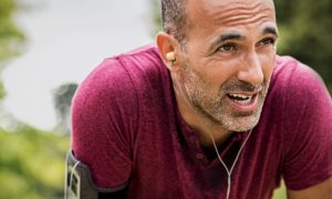 A atividade física pode ajudar a reduzir os níveis de colesterol no sangue? Como?