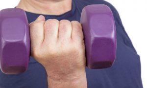 Como a musculação ajuda a aumentar a densidade dos ossos?