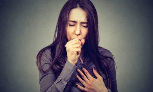 Depois de quase morrer, goiana consegue aliviar crises de bronquite