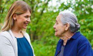 Cuidador iniciante: dicas te ajudam no convívio com pacientes com Alzheimer