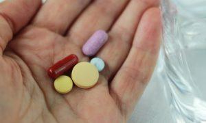 Convivendo com hipertensão: dicas ajudam a integrar remédios no seu dia a dia