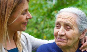 Familiar com Alzheimer: saiba os primeiros passos para enfrentar a doença