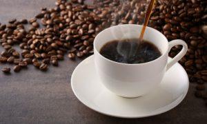 Diarreia e café: bebida pode atrapalhar o tratamento?