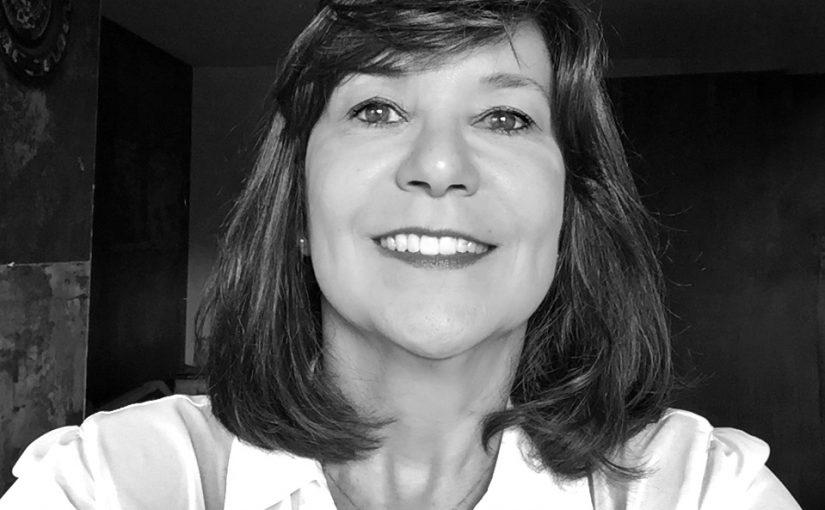 Dra. Hellen de Carvalho