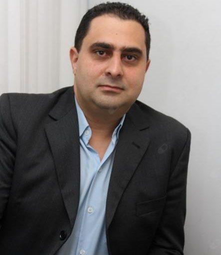 Dr. Flávio Sekeff