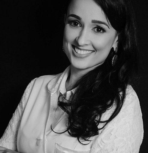Dra. Patrícia Lima